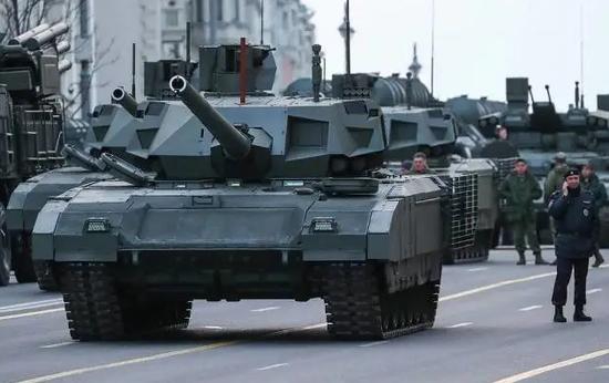 美媒:俄军主战坦克数量是美国的两倍 但又有何用处