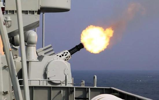 △1130炮高速射击的壮观画面
