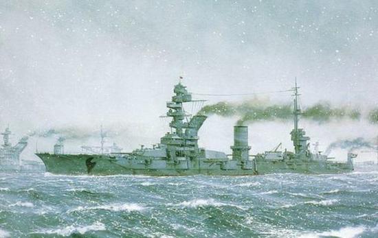 俄国从20世纪初后,就很少建造数万吨级的大型战舰。这点到60年代才有所改观