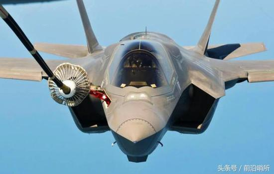 """据了解,英国空军部队目前使用的空中加油机为自主研制的vc-10k""""胜利者"""