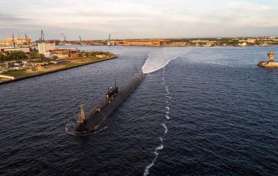 """俄军首艘升级版""""北风之神""""核潜艇近期将服役"""