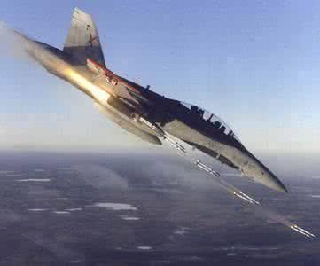 F18也一样打火箭弹