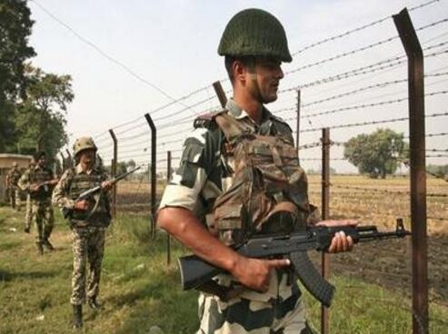 印度在中印边境、印巴边境既搞基建又大举增兵。(图源:《印度时报》)