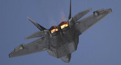 """歼-20对于中国的军事外交意义巨大,是中国说""""我们可以保障贵国安全""""的最佳背书"""