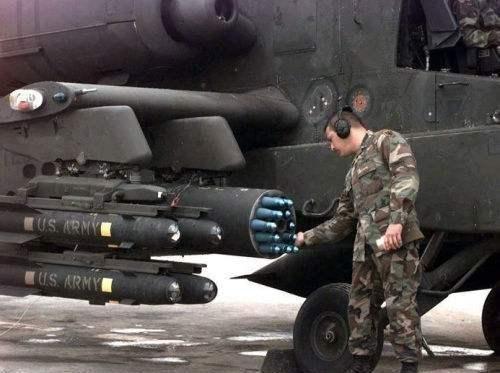 美军直升机也使用制导火箭弹