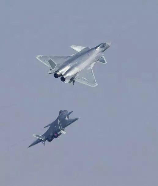 中国侦察编队中很可能有歼-20