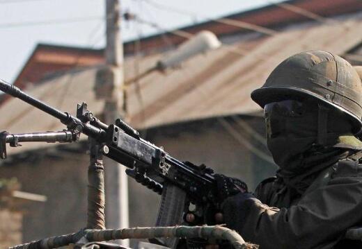 印度欲向中印和印巴边境部队增发40万枪