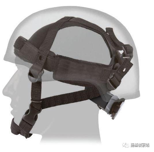 比4点悬挂更先进的悬挂方式,加了头箍之后,头盔将更加稳固