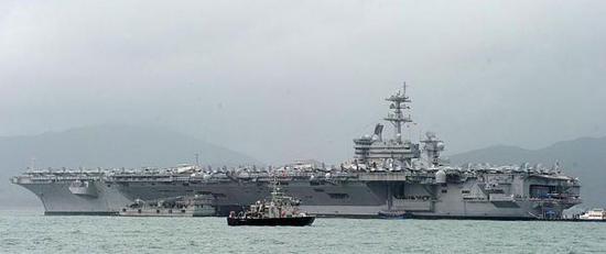 越南为何答应美航母访问 急着在南海争议海区搞勘探