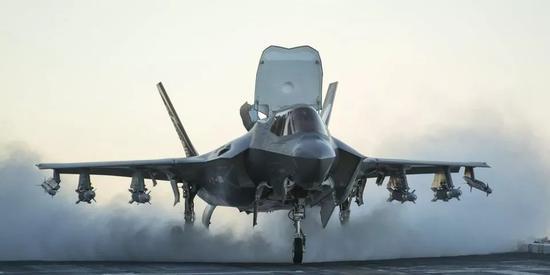 美媒:美军部署F35B对抗中国隐形战机 将