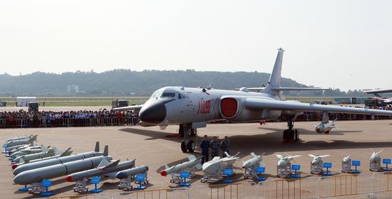 这些琳琅满目的空地制导武器多数为外贸型号,轰-6K并未装备。