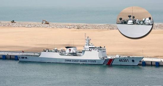 ▲818型舰上的630炮,注意烟囱两侧的高架索