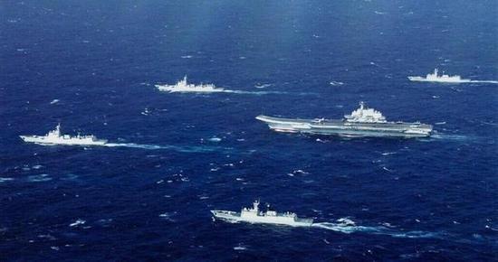 中国海军双航母编队会有多强?三张卫星图里藏答案