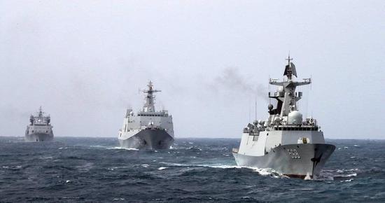 """""""湛蓝2018A""""远海编队。图片来源:中国海军发布"""