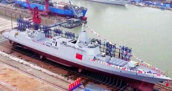 055舰的全貌在下水后许久才披露出现