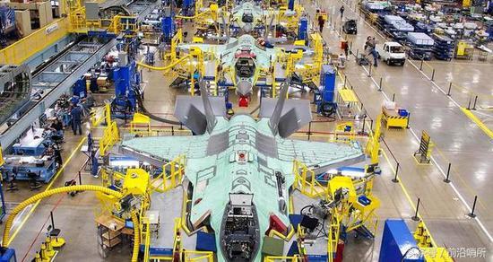资料图:战机生产线