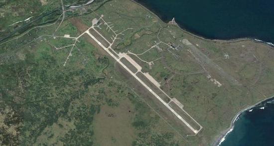 ◎择捉岛(俄称伊图鲁普岛)东南沿海的机场,可起降大型运输机