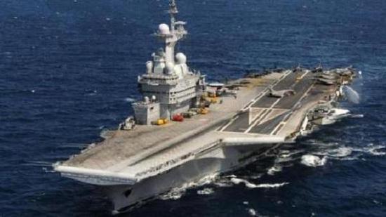 戴高乐号航母直接采用战略导弹核潜艇反应堆,结果就是动力不足,影响航速