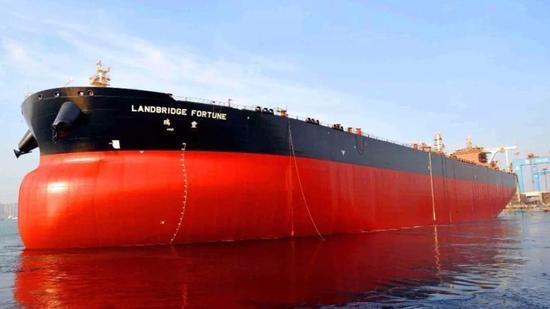 中国这艘超级巨轮首次回国 比辽宁舰还要