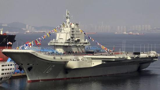 2012年9月25日,辽宁舰正式加入中国海军。