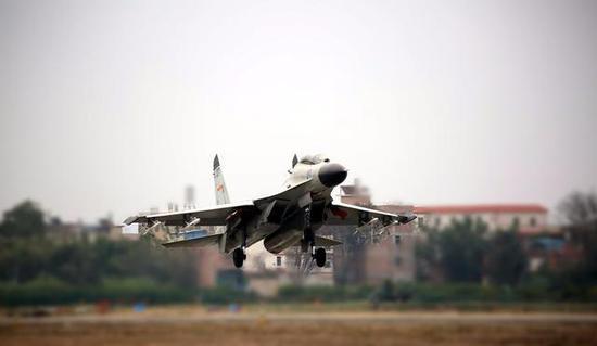 到了海军歼-11B战机大量装备时,WS-10A发动机已经解决可靠性问题。