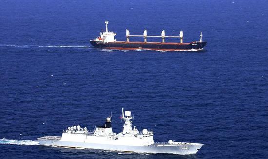 海军第28批护航编队。图片来源:中国海军发布