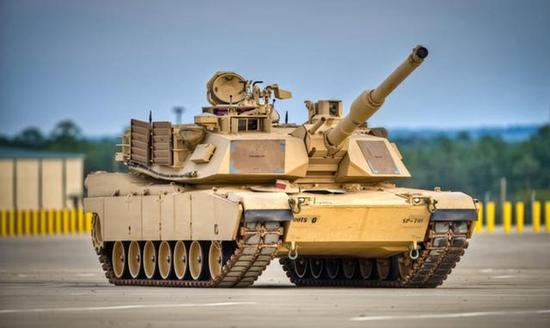 美国M1A2主战坦克,使用44倍径120毫米主炮