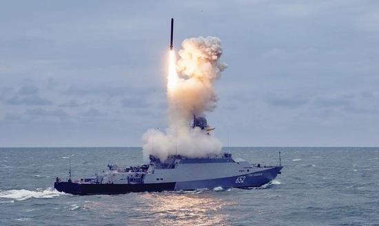 安装中国柴油机的俄罗斯护卫舰