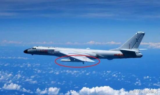 中国空军轰-6K轰炸机的主要武器是长剑-20巡航导弹。