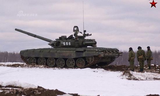 俄罗斯军队装备的T-72系列坦克。