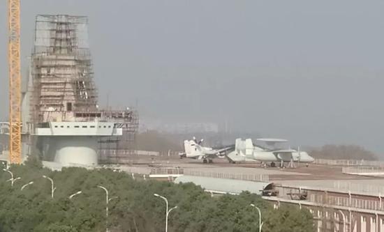 中国航母弹射器技术获重大突破 新型舰载