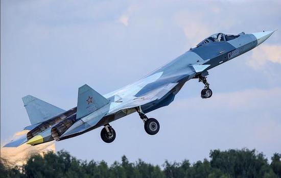 图为苏-57战斗机