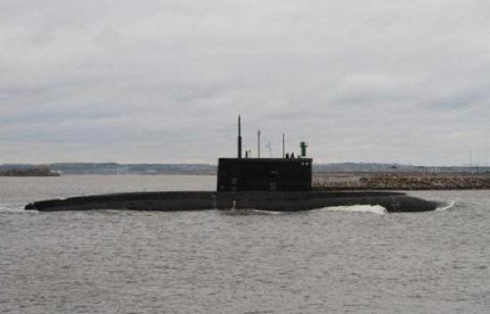 最外层包括攻击核潜艇,s-3固定翼反潜飞机,护航舰艇配备有拖曳线列