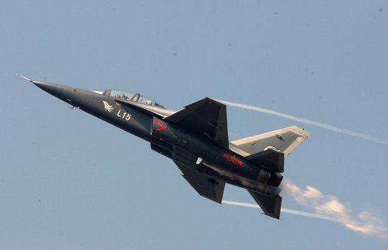 将一台台航空发动机送到了飞机制造厂的手中,也将技术传授给了中国.