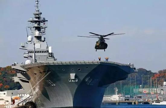 """日本""""出云""""号直升机护卫舰。图/ 视觉中国"""