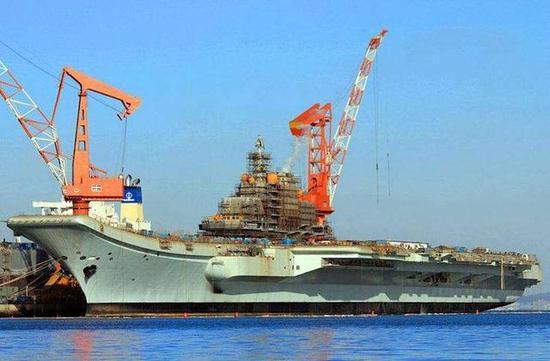 ▲辽宁舰在瓦良格号基础上续建