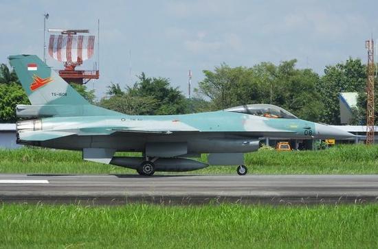 F-16 Block 52ID是从飞机坟场中恢复的