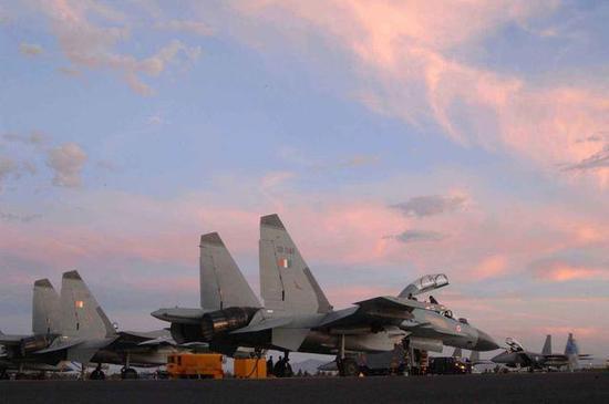 ▲苏30MKI是印度手中的空军王牌