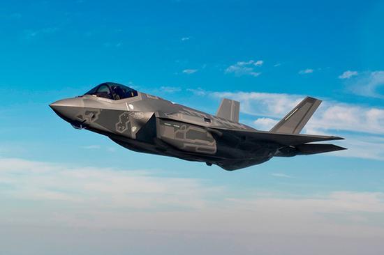 """由于机身重量不断增加,F-35""""闪电""""战机有了""""肥电""""的绰号。"""