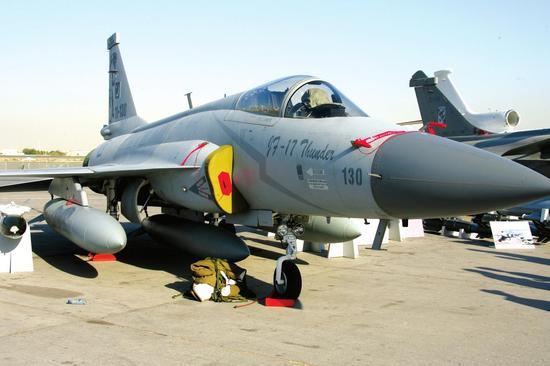 中国将再次升级枭龙战机 发展效率明显高