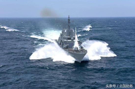 △洛·马版FFG(X)发射防空导弹,需要指出的是,这只是针对美军招标提出的一个方案,洛·马还面临其他公司的竞争