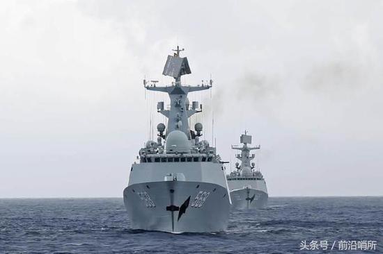 中国军舰罕见出现在该海域 外军抵近后称让人生畏