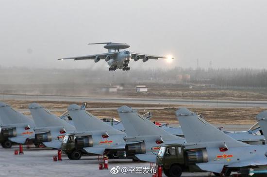 """""""红剑-2017""""体系对抗演习与以往一样,在空军试训基地举行。"""