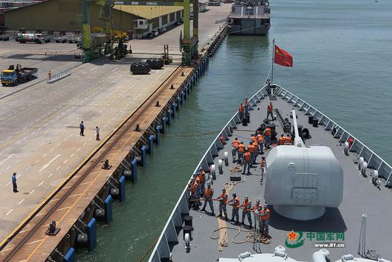 日本外相访问文莱 盯上了中国参与开发的