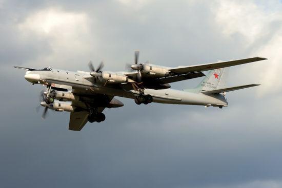中国空军这架战机即将首飞 三位一体核打击成为现实