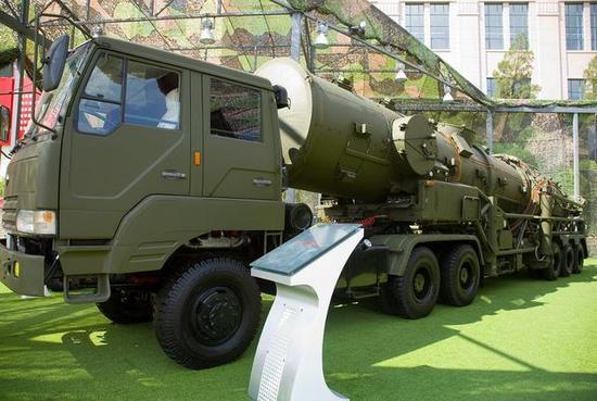 中国的东风21D反舰弹道导弹)