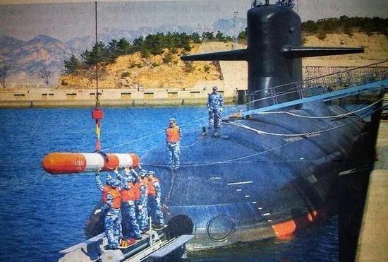 早前非公开披露的093B核潜艇装填鱼雷