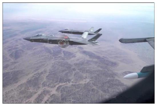 歼-20和歼-16的编队作战