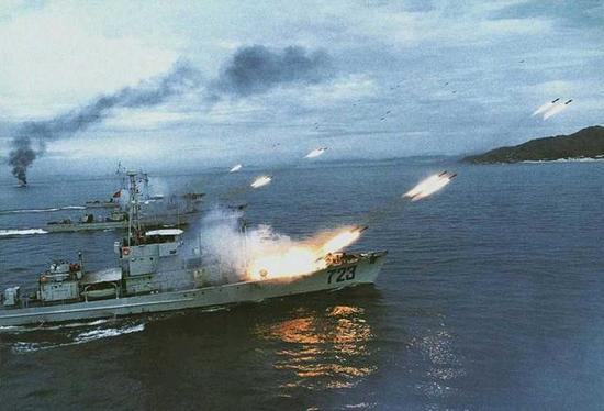 ▲空潜快时代的中国海军研制航母的硬实力不足