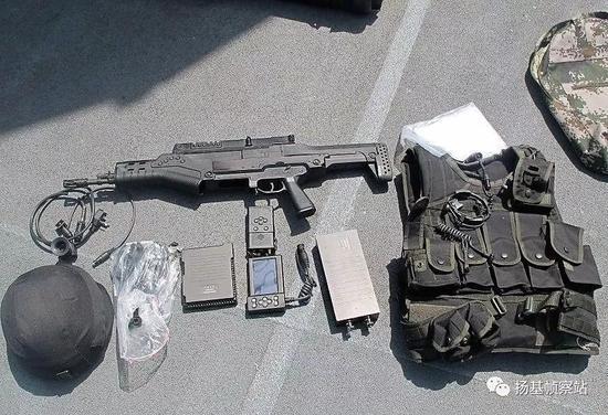 海军陆战队某特战分队的QTS-11全系统展示